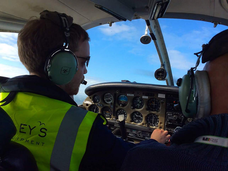 Student and instructor practicing turns in a Piper PA28 in Cornwall
